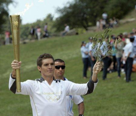 В Греции зажгли Олимпийский огонь +Фото