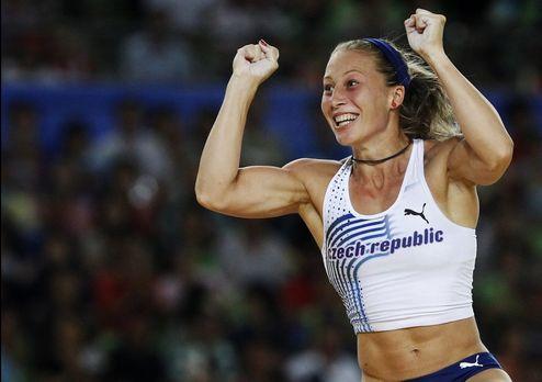 Ирина Птачникова – победительница чемпионата Европы в Хельсинки в прыжках с шестом
