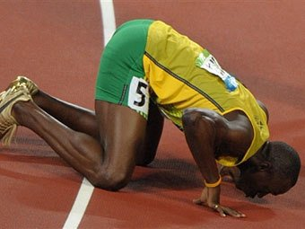 Болту специально для Олимпиады приобрели ортопедическую кровать