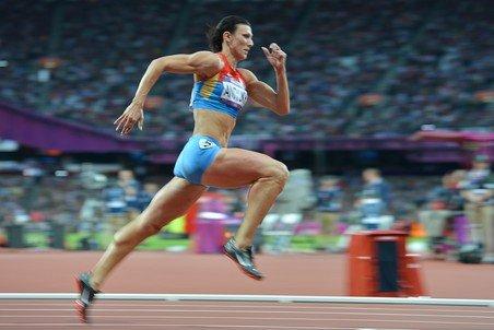 Наталья Антюх – олимпийская чемпионка в барьерном беге на 400 м в Лондоне + Видео