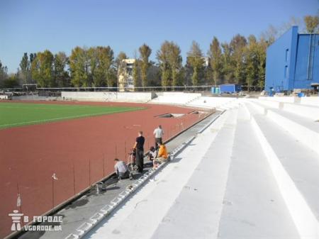 Борис Колесников ознакомился с ходом реконструкции тренировочного стадиона для юношеского чемпионата Мира 2013 +Фото