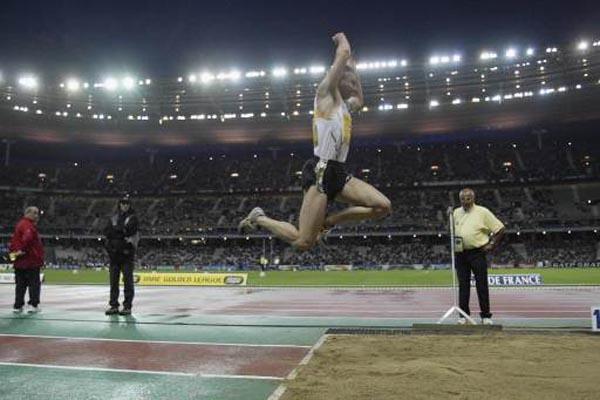 Джонатан Эдвардс - рекорд мира в тройном прыжке в Гетеборге 1995г HD-видео