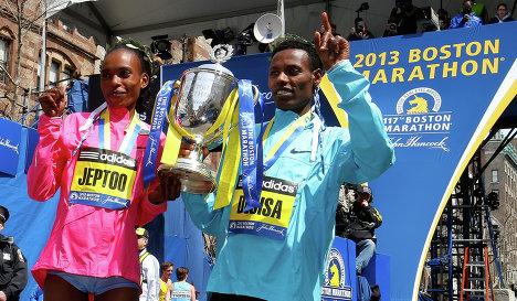 Лелиса Десиса и Рита Джепту выиграли ежегодный Бостонский марафон