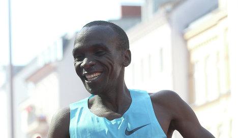 Элиуд Кипчоге выиграл Гамбургский марафон