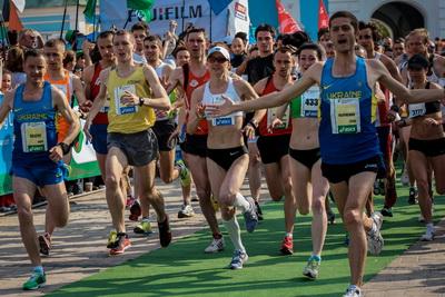 Андрей Наумов и Татьяна Рыбальченко - победители Киевского марафона