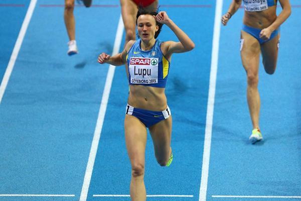 800 м - Женщины - 1 круг - Чемпионат мира 2014 – Сопот + Видео