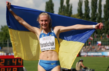 Денис Нечипоренко и Анна Рыжикова-Ярощук выиграли 400 с/б