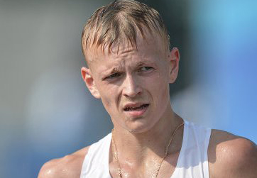 Денис Стрелков победил на чемпионате России по спортивной ходьбе на дистанции 20 км