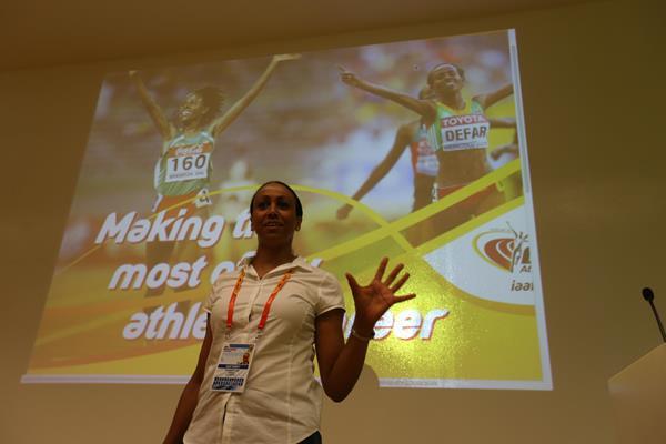 IAAF учит молодых атлетов общаться с прессой