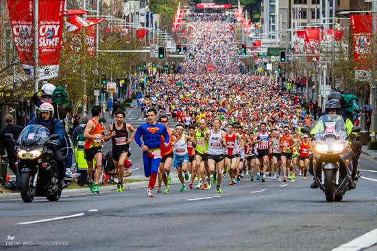 На старт шуточного забега в Сиднее вышли 85 тысяч человек