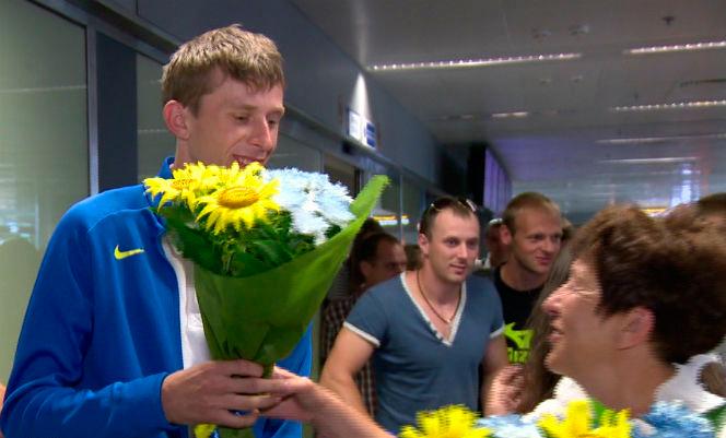 Украинские легкоатлеты вернулись домой героями