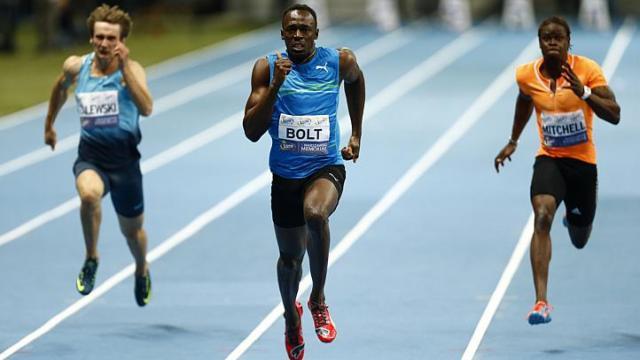 Усэйн Болт легко выиграл забег на 100 м на Мемориале Камилы Сколимовской + Видео