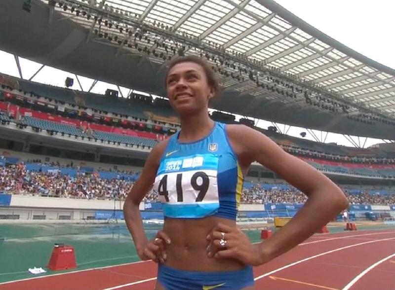 Джойс Коба приносит серебро сборной Украины в беге на 200 м на Юношеских Олимпийских играх в Нанкине