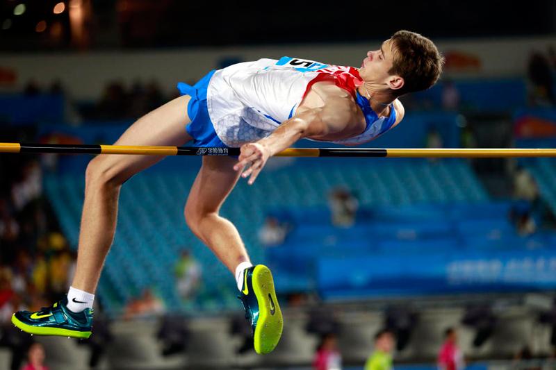 Данил Лысенко победил в прыжках в высоту на юношеских Олимпийских играх в Нанкине