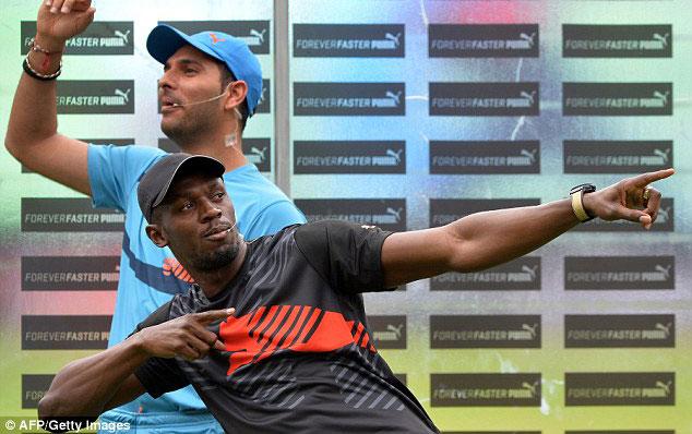 Усэйн Болт сыграл в крикет в благотворительном матче в Индии + Видео