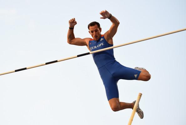 Рено Лавиллени победитель Континентального кубка в прыжках с шестом