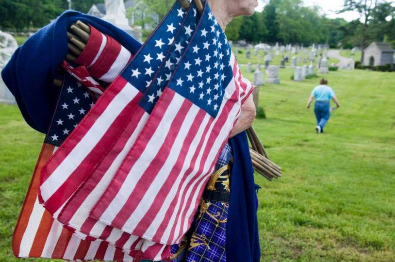 Американское кладбище зарабатывает проведением забегов
