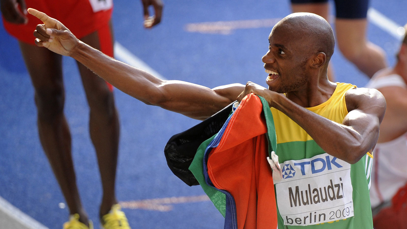 Призёр Олимпиады в Афинах в беге на 800 м Мбулаени Мулаудзи погиб в автокатастрофе