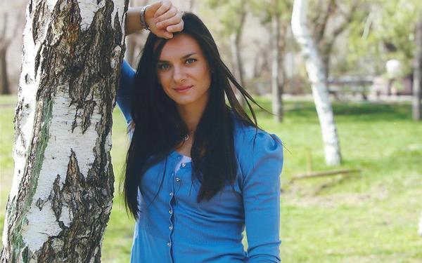 Елена Исинбаева вышла замуж за 24-летнего спортсмена