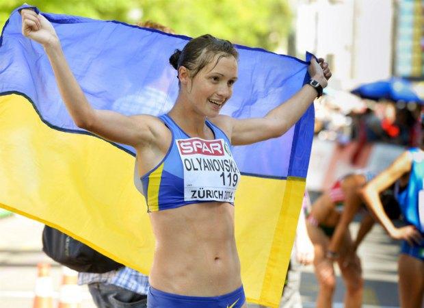 Людмила Оляновская и Кристина Сивкова претендуют на звание лучшей легкоатлетки декабря