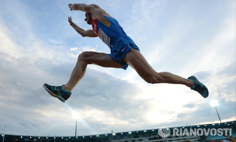 Дмитрий Сорокин выиграл зимний чемпионат России в тройном прыжке. Алексей Федоров - второй