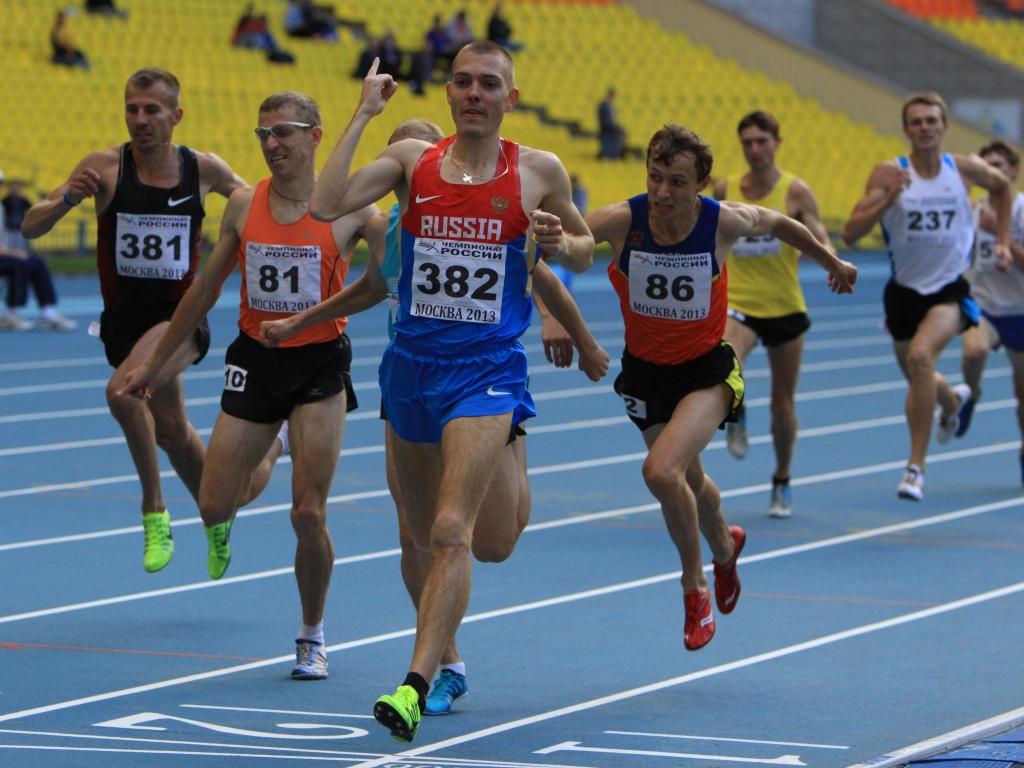 Галина Бубнова и Валентин Смирнов победили на зимнем Чемпионате России по лёгкой атлетике в беге на 1500 м