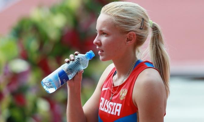 Алёна Лутковская обновила рекорд России в прыжках с шестом среди юниоров