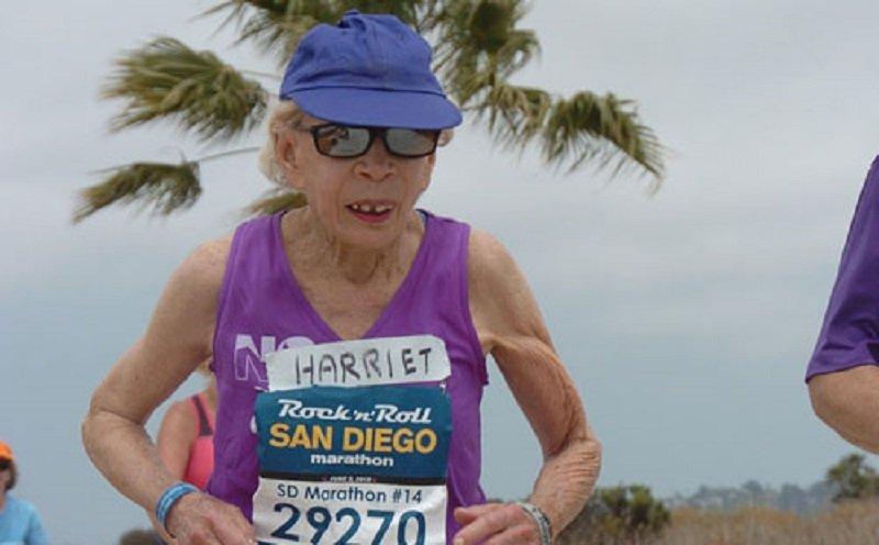 92-летняя американка установила рекорд, пробежав марафонскую дистанцию