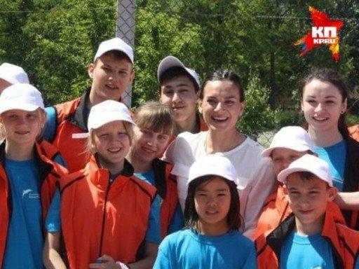 Елена Исинбаева: Пока тренируюсь в легком режиме