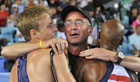 Тренер легкоатлетов Салазар, замешанный в допинг-скандале, снова отверг обвинения