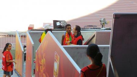 Победитель мужского марафона потерялся на стадионе