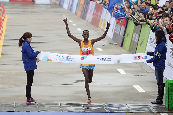 Кенийцы победили в Shanghai International Marathon