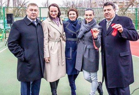 Благотворительный фонд Елены Исинбаевой продолжает открывать спортивные многофункциональные площадки
