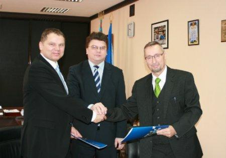 Мировой лидер в сфере изготовления спортивного покрытия пришел в Украину