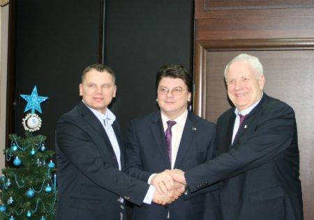 Президент ЕА Свейн Арне Хансен прибыл в Киев
