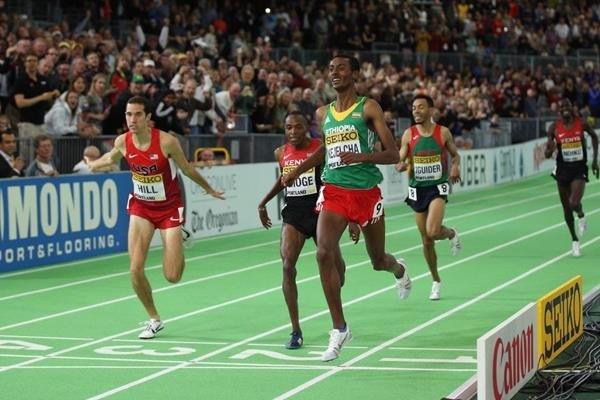 Йомиф Кеджелча - чемпион мира в помещении в беге на 3 000м +Видео