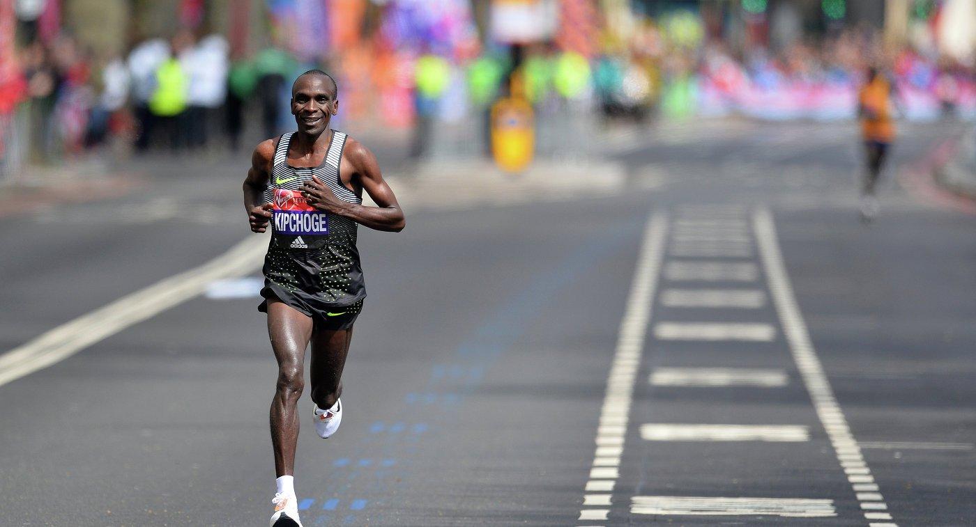 Кенийские бегуны одержали победы на Лондонском марафоне +Видео