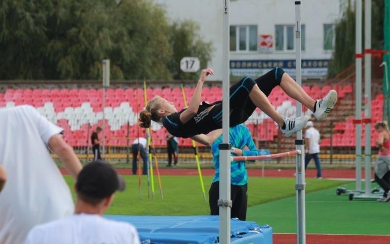 Супер-прыжки от 17 летней многоборки в Луцке +Видео