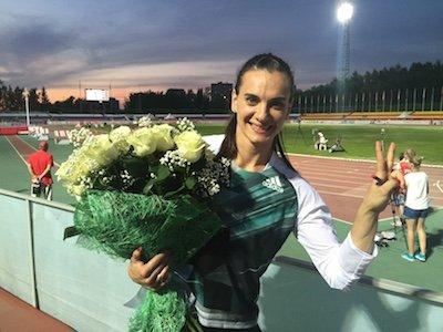 Елена Исинбаева выиграла ЧР с лучшим результатом сезона в мире +Видео