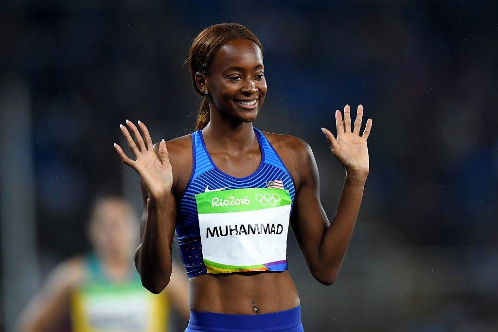 Американка Мухаммад завоевала золото в беге на 400 м с барьерами на Олимпиаде в Рио