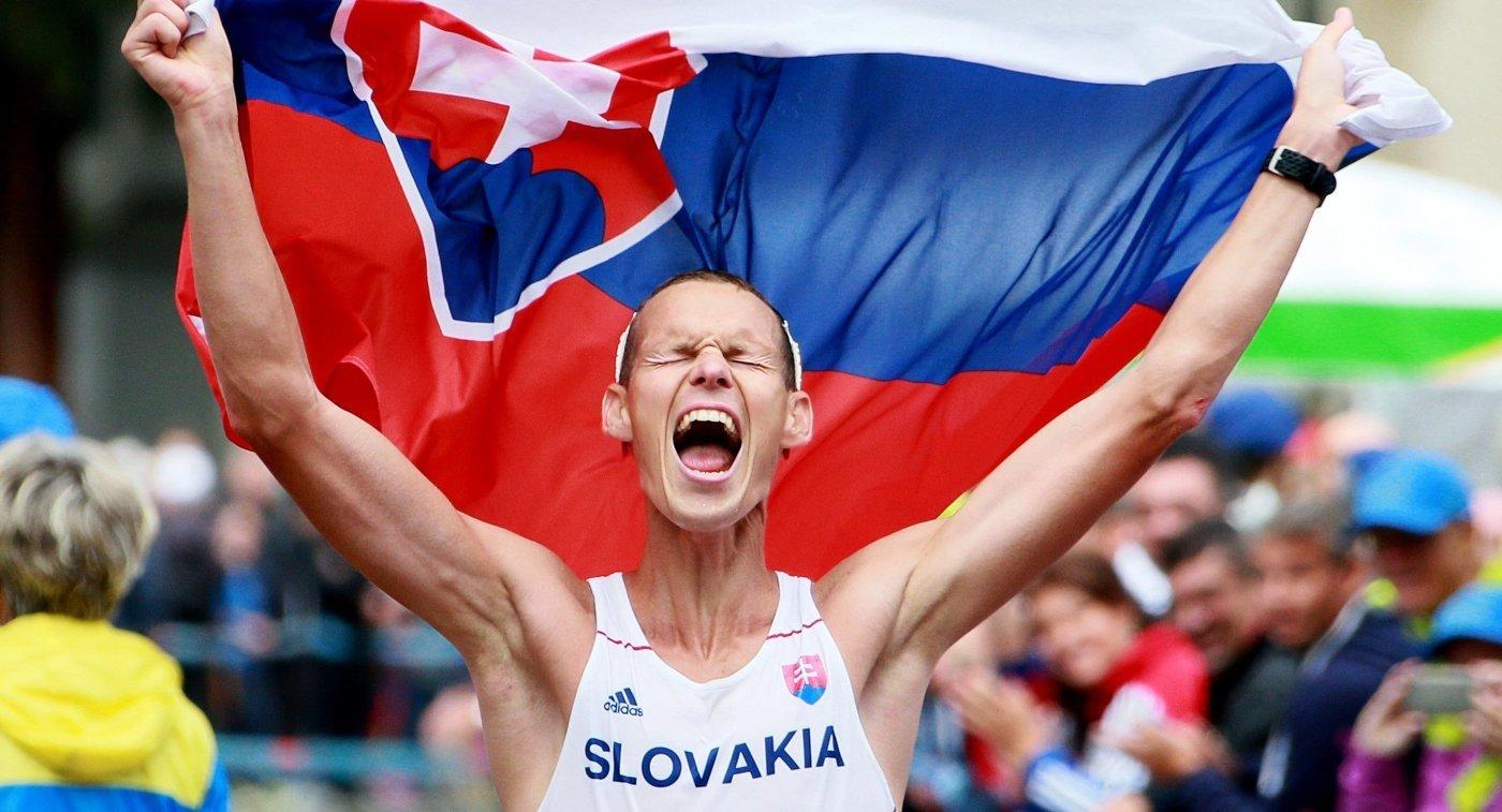 Китаянка ЛюХун завоевала золотоОИ вспортивной ходьбе на20км