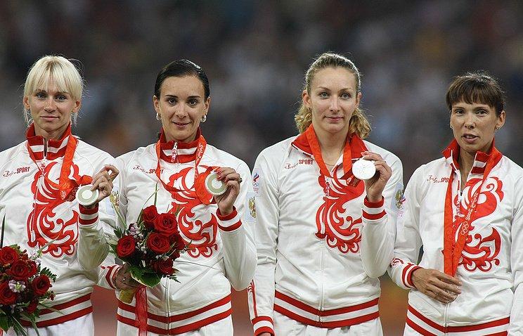 Сборная России лишена серебра Олимпиады-2008 в эстафете 4х400 м