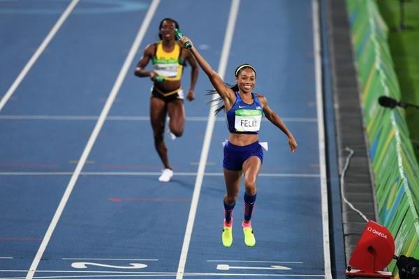 Бегуньи сборной США победили в эстафете 4x400 метров на Олимпиаде в Рио