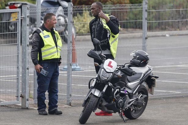 Усэйн Болт взял урок по вождению мотоцикла