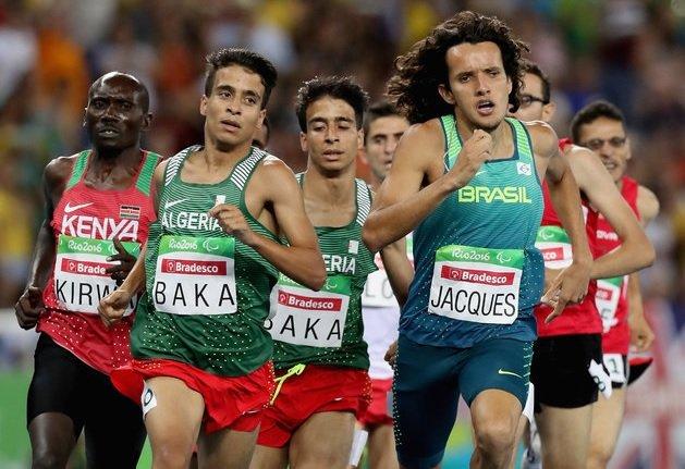 Четверо паралимпийцев пробежали финальный забег на 1500 метров быстрее, чем чемпион Олимпиады в Рио