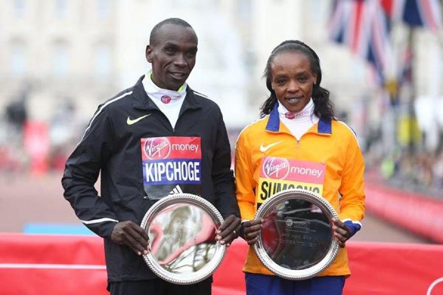 Элиуда Кипчоге и Джемиму Сумгонг - названы лучшими бегунами AIMS по итогам 2016 года