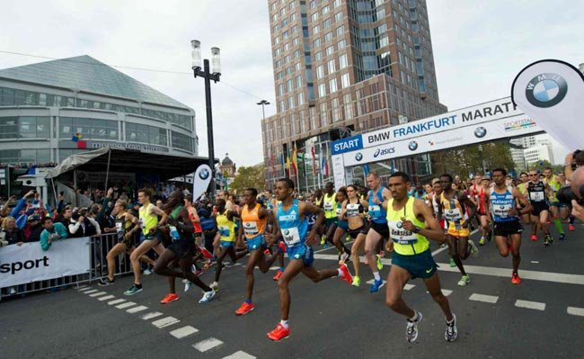 Участник Франкфуртского марафона умер во время прохождения дистанции
