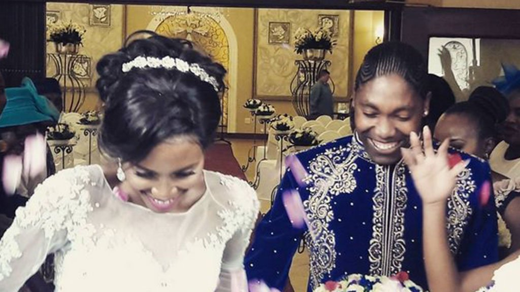 Кастер Семеня официально женилась на своей подруге