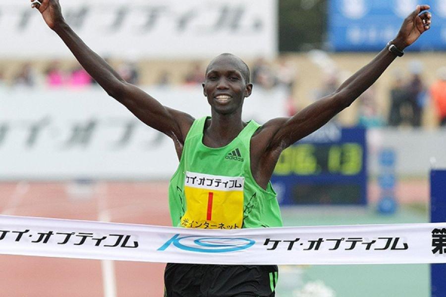 Уилсон Кипсанг - главный фаворит Токийского марафона