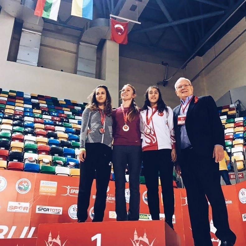Украинки победили в Турции +Видео